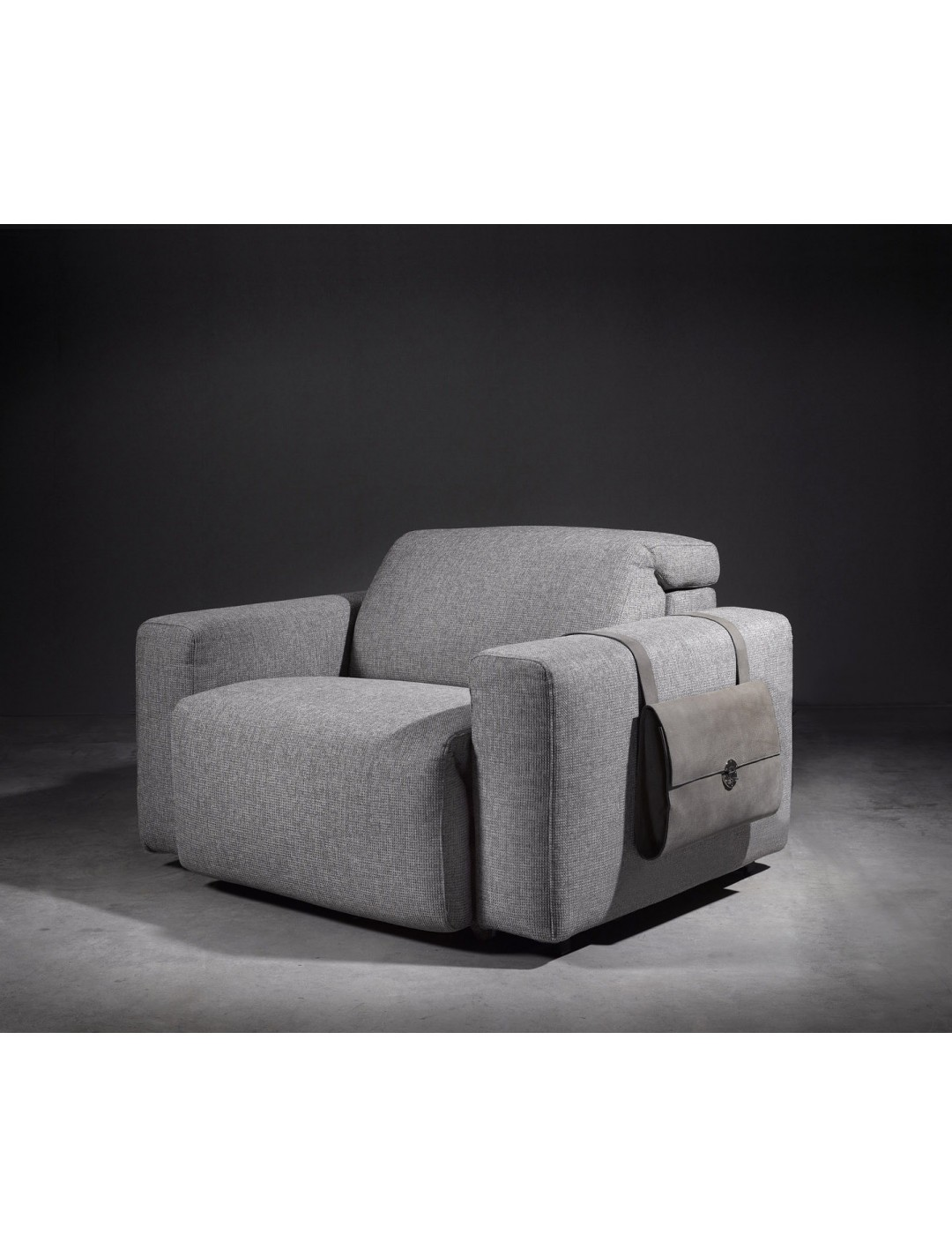 Cosmopol One Seat Sofa 2 Arms Upholstery Without Fabric