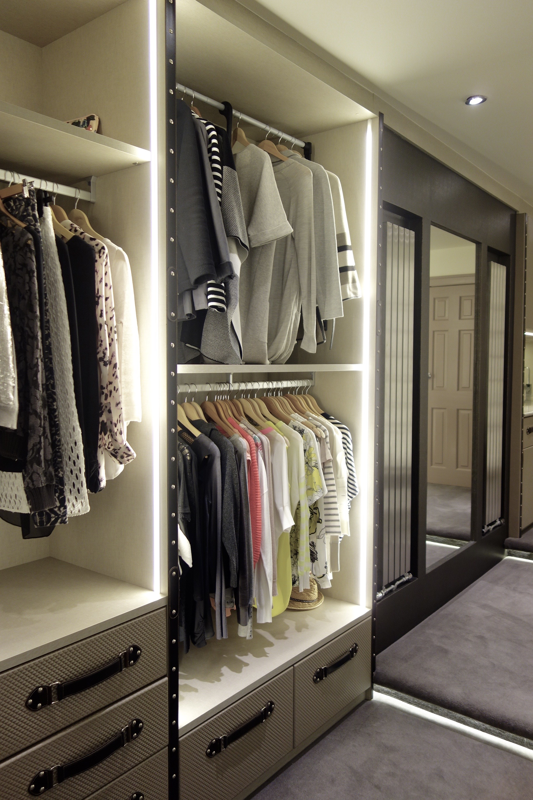 walk in wardrobe, fitted wardrobe, luxury closet, bedroom walk in wardrobe