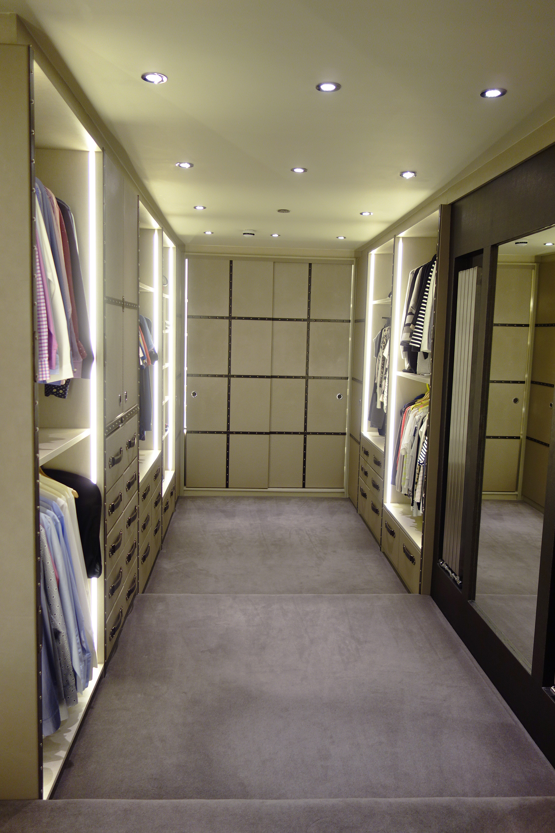 luxury walk in wardrobe, fitted wardrobe, bespoke wardrobe, walk in closet