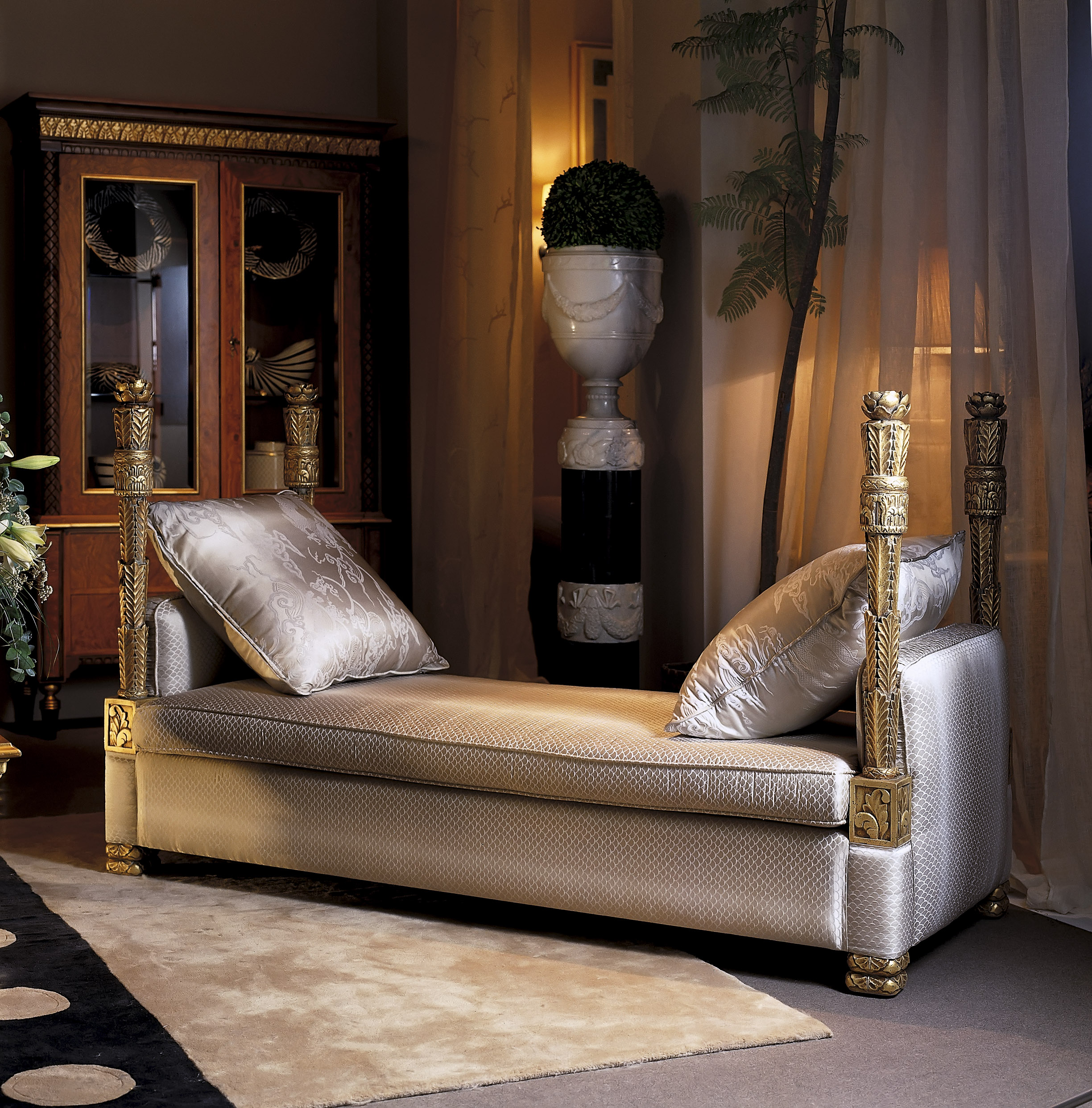 classic chaise lounge, traditional chaise lounge